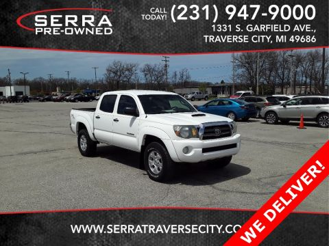 Pre-Owned 2009 Toyota Tacoma PreRunner RWD 4D Double Cab