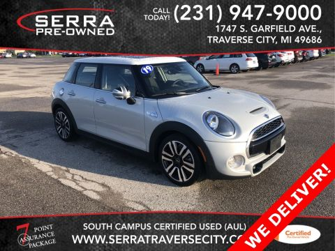 Pre-Owned 2019 MINI Cooper S Signature FWD 4D Hatchback